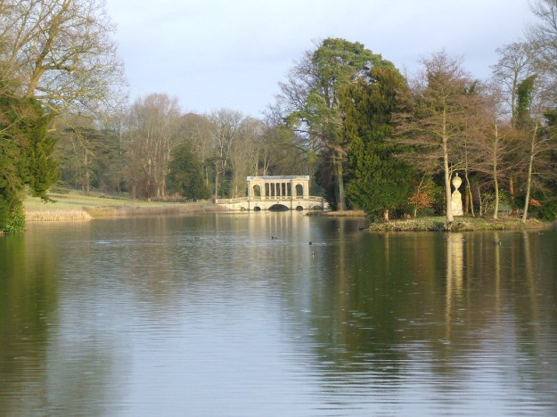 Stowe grounds
