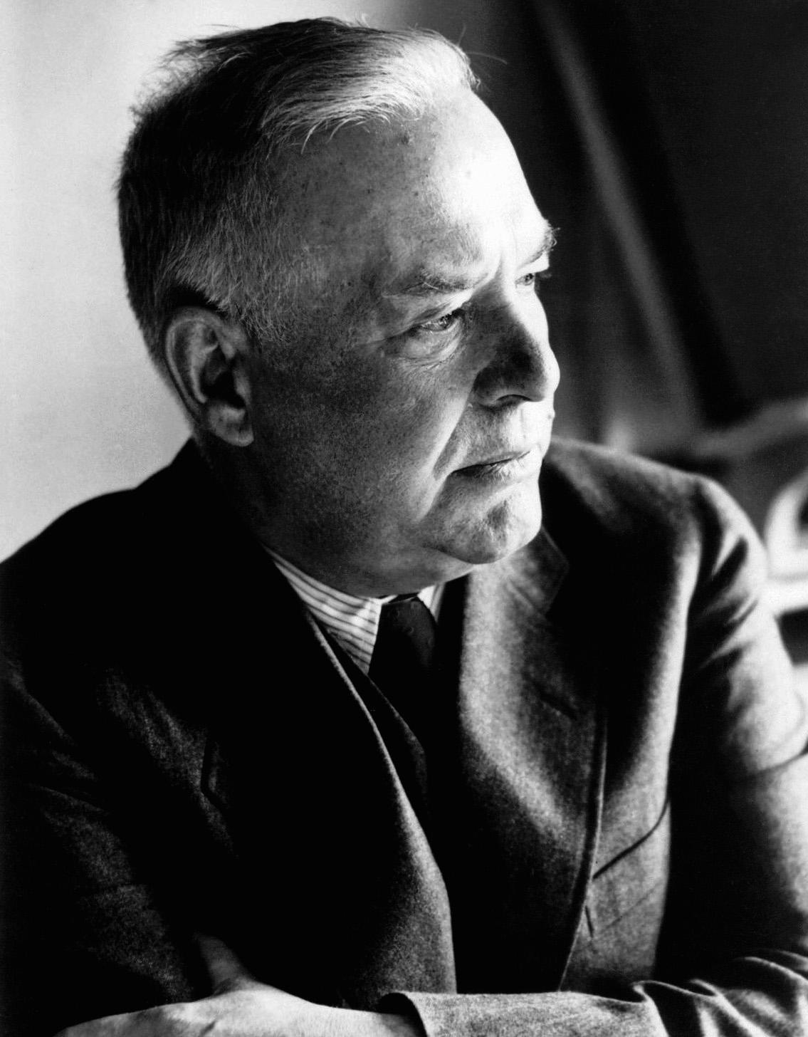 Wallace_Stevens,_1948
